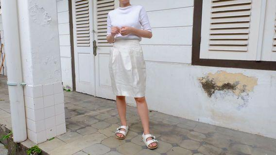 White Skirt midi