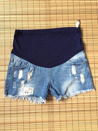 Maternity denim shorts 36-37 inches hipline