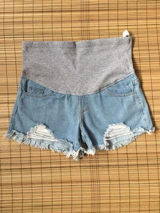 Maternity denim shorts 35-36 inches hipline