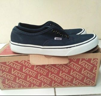 21cfbf70b8 Vans Authentic Navy
