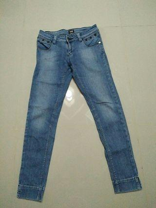 authentic Lee skinny jeans