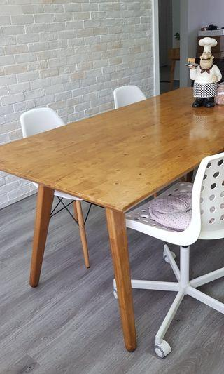 🚚 Dining Set table and 4 chairs