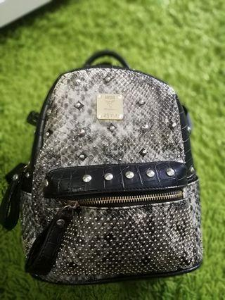 beg pack mcm