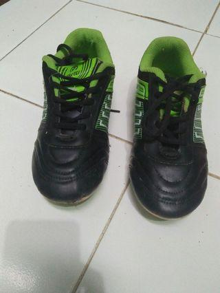Sepatu Futsal ukuran 36