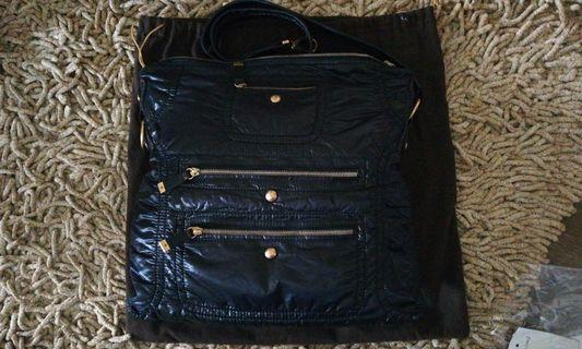 🚚 Tods sling bag. Almost new