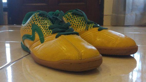 Sepatu Futsal Specs Tarta