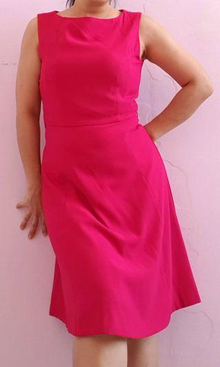 Minimal simple fuchsia dress #maujam
