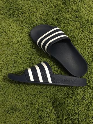 faf3f44d8 Adidas Adilette - Size  US8