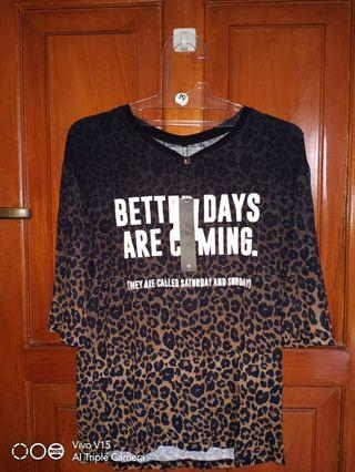 Stradivarius leopard top