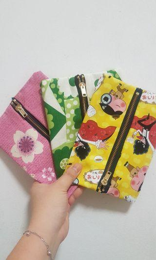 🚚 Zipper tissue pouches