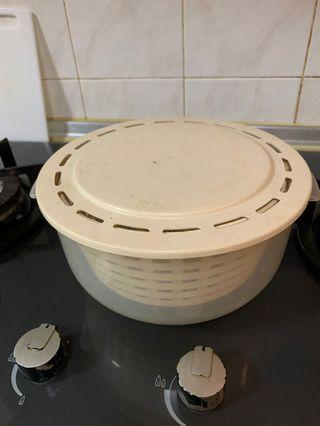 Microwave steaming container