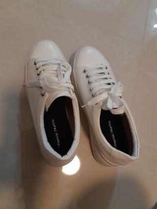 Oriental Traffic结婚白色厚底波鞋