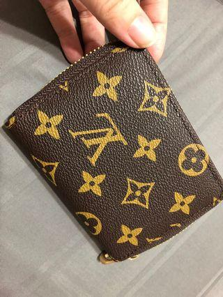 *free mailing* LV wallet Zipped