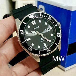 🚚 Casio original men analog resin sports watch mdv106 brand new