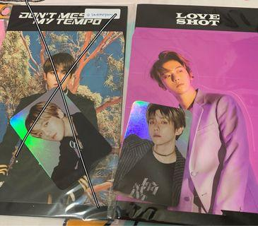 [WTS] BAEKHYUN LOVE SHOT HOLOGRAPHIC PC + STANDEE