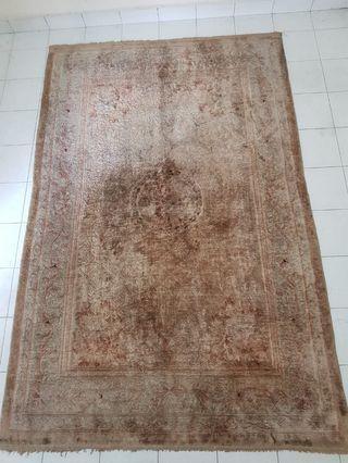 🚚 Preloved carpet for sale