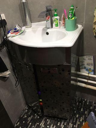 廁所洗手盆