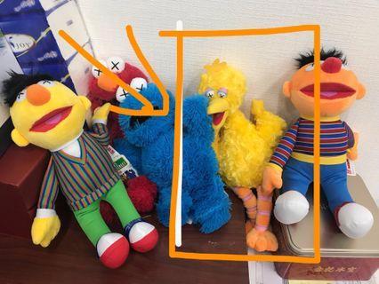 全新 big bird 芝麻街 uniqlo x kaws Sesame Street 毛公仔 日本版  原價¥2990