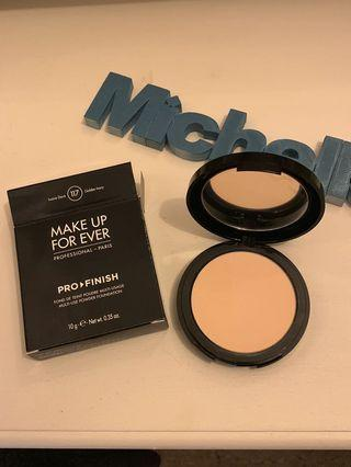 Near New Make Up Forever Compact Shade 117 Golden Ivory