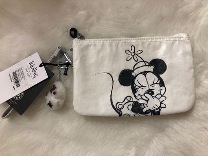 🚚 Kipling Disney pouch