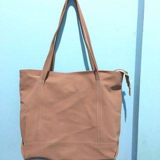 Merche Shoulder Bag
