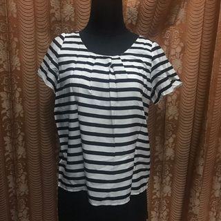 Monochrome stripes top