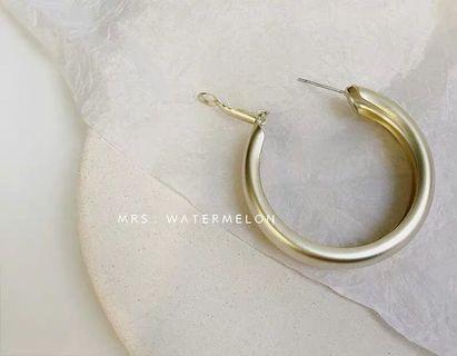 🚚 個性金色耳環耳釘