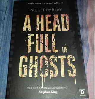 Novel A Head Full of Ghosts