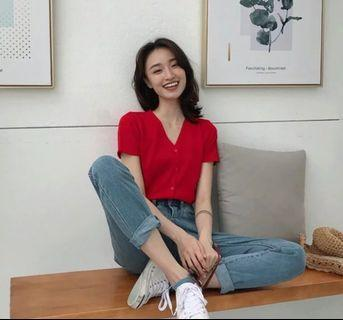 Korean knitted v collar blouse : Korea style brand new women fashion ulzzang 2019 harajuku loose v neck sweater knit short sleeve buckle single row button top shirt basic minimalistic simple plain stitching single breasted