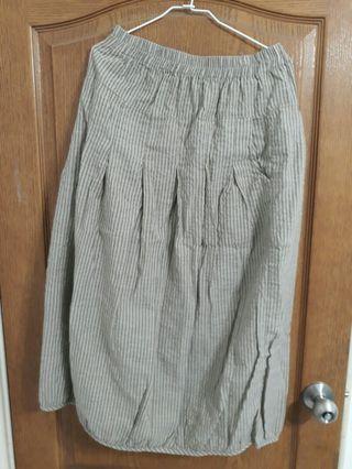 🚚 Midori綠 灰褐色直條紋日系荷苞裙子