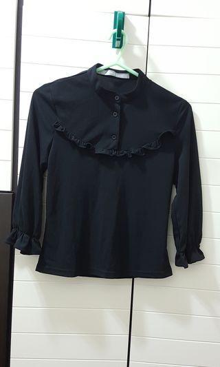Black Top (黑色上衣)