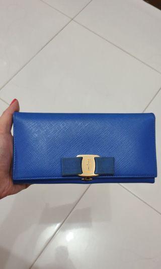 🚚 Ferragamo Long Wallet