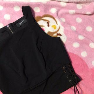 🚚 black shoelace crop tank top