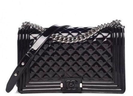 🚚 Chanel Boy Patent Calfskin Medium Size