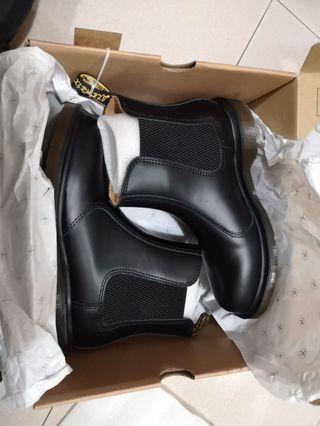🚚 Dr Martens 2976 EU37 Women's Black Boots