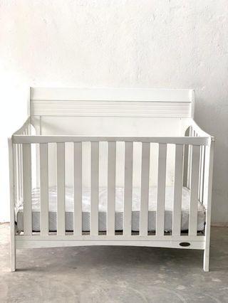 Dream on Bailey 5 In 1 convertible crib