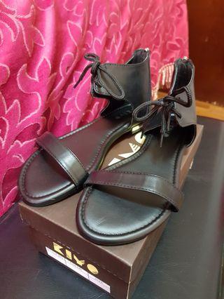 Kiyo sandals brand new
