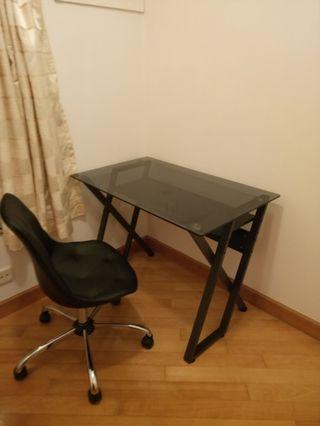 玻璃書桌(不連椅)