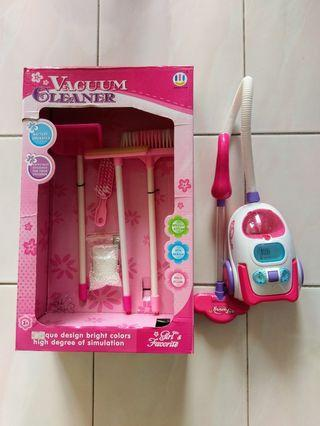 Vacuum cleaner toy - battery operated