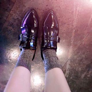 Zara雕花尖頭牛津鞋