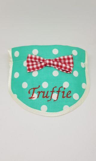 Customised bibs for dogs & cats