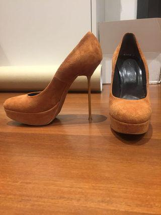 Scanlan and Theodore shoes size 37
