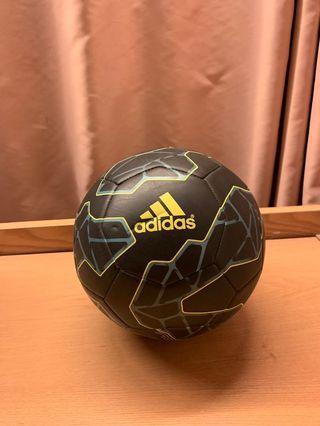 Adidas (足球5號波)
