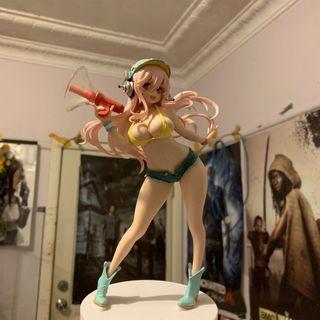 Super Sonico Figure