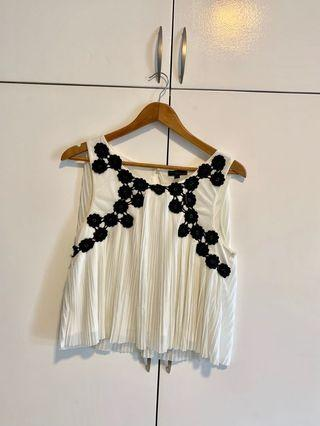 TOPSHOP Pleated Blouse with black flowers