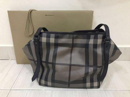 Burberry Haymarket Tote bag (Authentic)