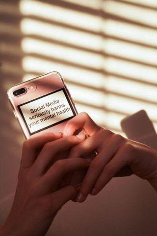 Social Media iPhone 6/7/8 Case