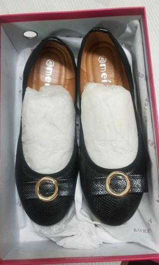 Office women's shoes 連鞋盒