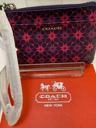 🚚 Authentic Coach Wristlet