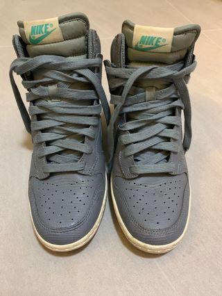 🚚 Nike 增高鞋 38